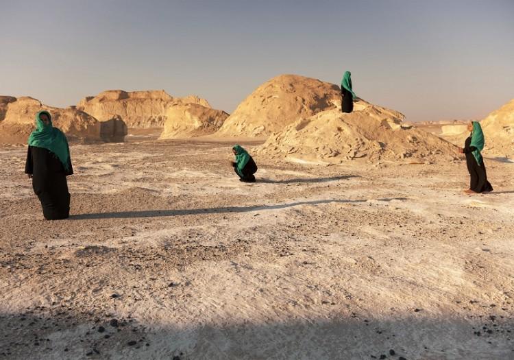 Marta Herford: Zwischen Zonen; Sama Alshaibi: Sihr Halal (Permissible magic), 2014 © The Artist, Courtesy Ayyam Gallery, Dubai